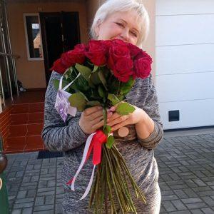 букет на день народження 33 червоні троянди