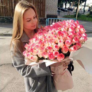 101 ніжно-рожева троянда джумілія у Львові фото