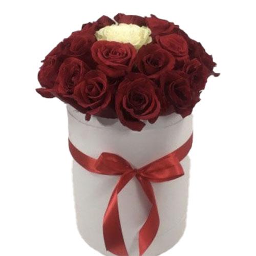 """картинка Коробочка 21 троянда """"Неповторна"""""""