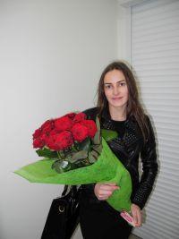 15 червоних троянд у Львові фото