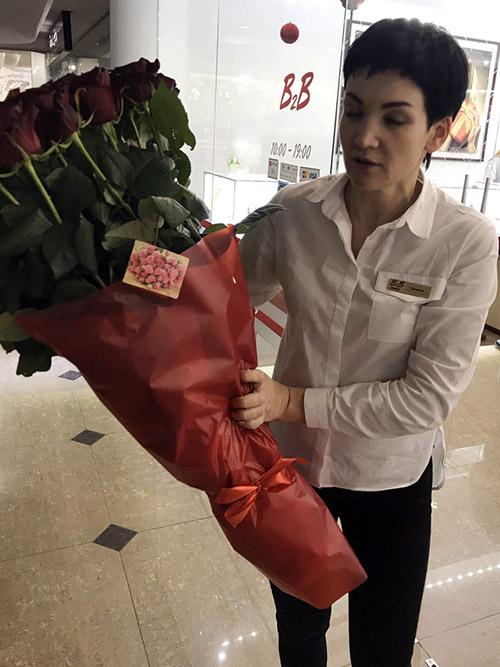 101 висока метрова троянда у Львові фото