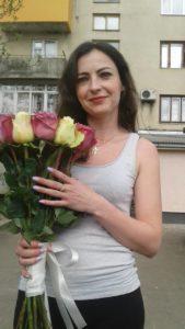 9 троянд у Львові фото