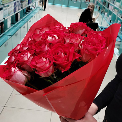 букет рожевих троянд у Львові фото