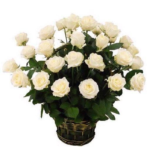 Фото товара 35 білих троянд в кошику во Львове