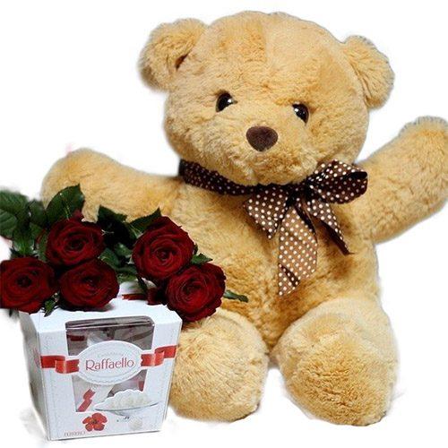 """Фото товара Ведмедик з букетом троянд та """"Raffaello"""" во Львове"""