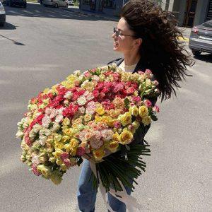 Величезний букет кущовий троянди 201 штука з доставкою