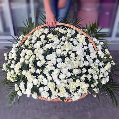Фото товара 200 кущових троянд у кошику во Львове